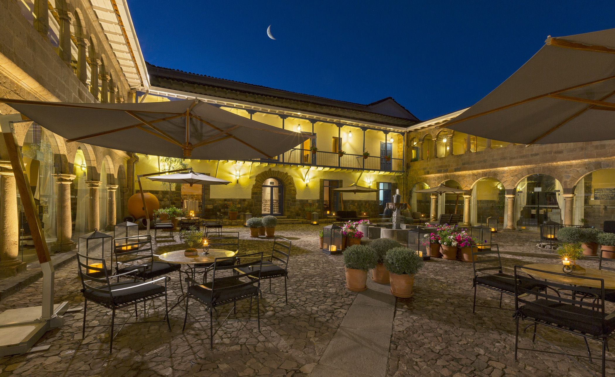 Bar rumi at the palacio del inka luxury collection hotel for Luxury hotel collection